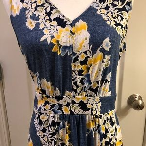 Nina Leonard sleeveless floral maxi dress
